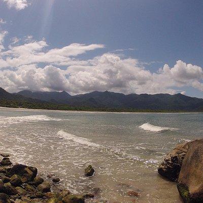 Visual do Costão direito da Praia de Cambriú