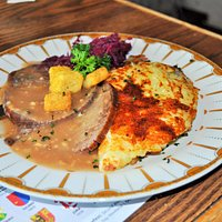 Sauerbraten with red cabbage and Rösti