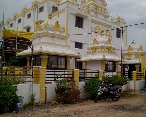 THE BEAUTIFUL FRONT ELEVATION OF BABA AALAYAM -Vellore