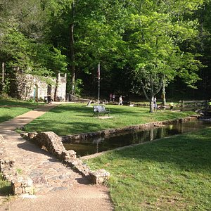 Rolater Park & Cave Spring