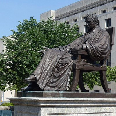 John Marshall Memorial - Statue