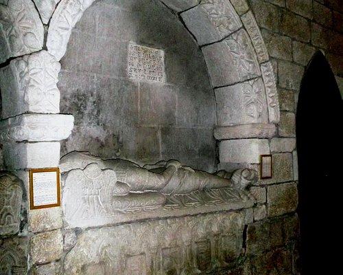 NICH MONUMENT