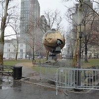 Los restos de la Esfera.