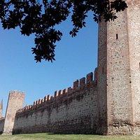 Le mura a Sud, con Porta XX Settembre