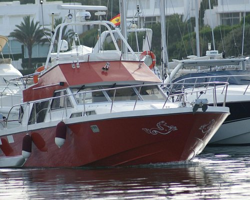 This is our great boat for your fishing trips