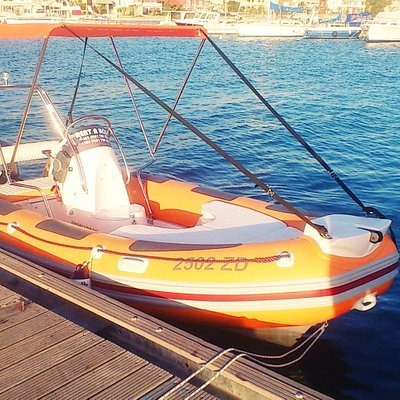 Maestral with its 60 hp engine offers the speed with which you can get to any of the destination