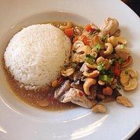 Wok de poulet aux noix de cajou