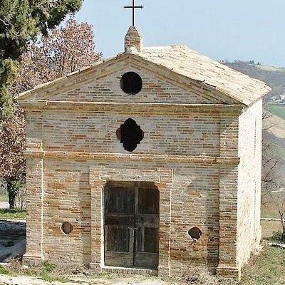 Piccola chiesa in disuso