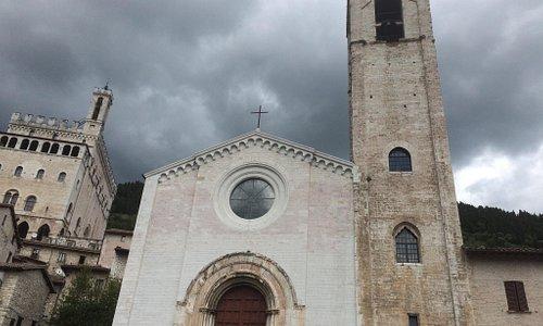 Esterno ed interno della chiesa di San Giovanni