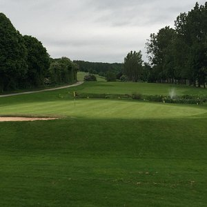 The 18th green from the clubhouse