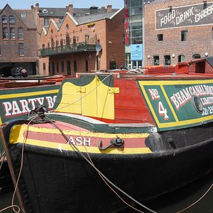 Positively Birmingham Walking Tours stops for photos at Gas Street Basin