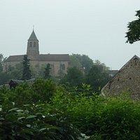 L'église St Clair vue de la Route de Chartres