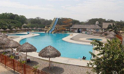 Vista a la piscina desde nuestro restaurant