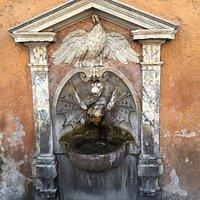 디 보르고 베키오 폰타네(Fontane Di Borgo Vecchio)