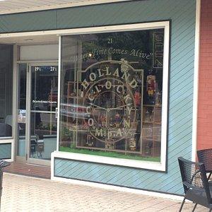 Holland Clock Company