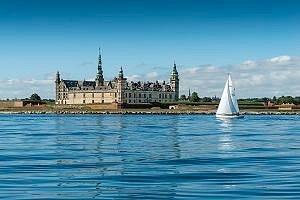 Kronborg Slot en sommerdag