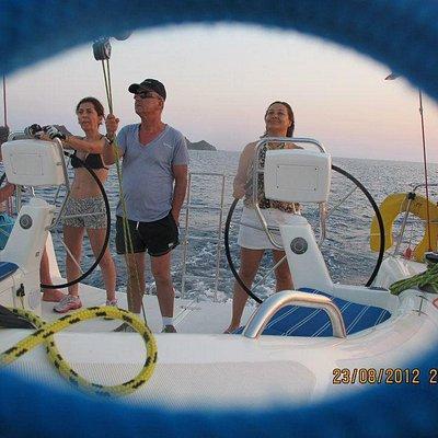 yelkenle geçmek kolay Bozcada hemen karşısı