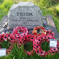 It's a nice walk leading to Freda's grave.