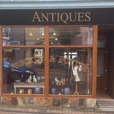 Freckle&Potter Antiques Shop