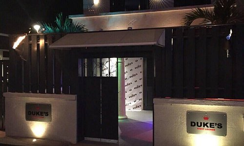 Premier West Coast Lounge & Bar