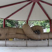 「世界一のわら綱」としてギネス認定されている那覇大綱挽(なはおおつなひき)