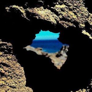 Si vous trouvée ce petit coin de paradis ... Ces juste du bonheur .. Longer le port , suivre les