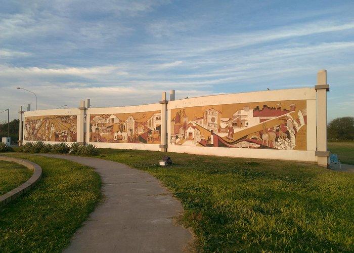 Mural Del Centenario Roque Sáenz Peña - Chaco Más Fotos en