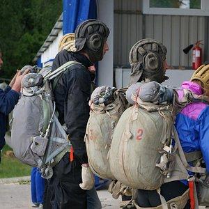 Прыжки с парашютом для перворазников и спортсменов.