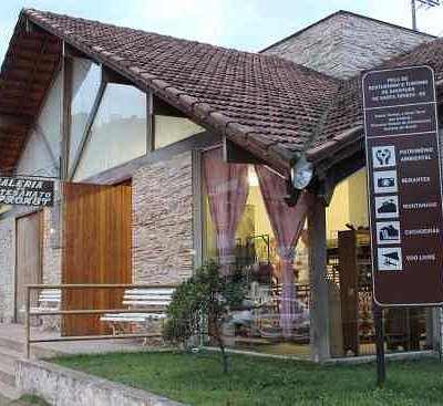 frente da Galeria do Artesanado (APROAST)