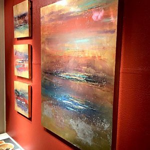 """Lisa Wilson's """"Pieces of a Dream"""" Collection"""