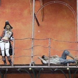 女海賊に捕らわれたか