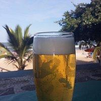 Cervejinha, na Praia do Tombo.
