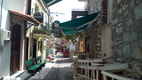 A great drinking place for holidaymakers and locals