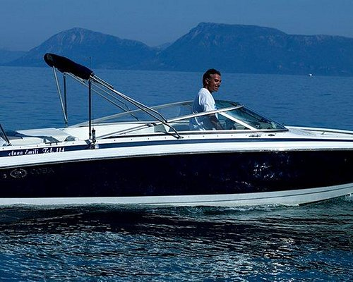 Sport Boat Charter- A day to remember