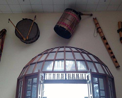 Instrumentos musicais na entrada