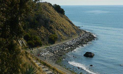 Extremo oriental rocoso de la Playa Caravajal