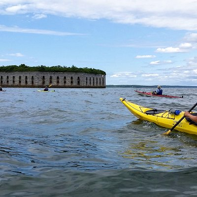 Sea kayaking to Fort Gorges with Portland Paddle