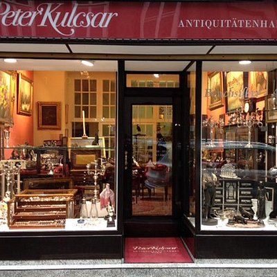 Antiquitäten Kulcsar ist im Zentrum Wiens beheimatet.