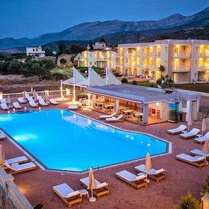 Notos Heghts Hotel & Suites