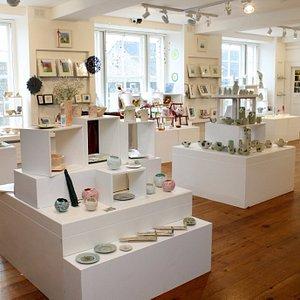 Ornaments, ceramics, Paintings....