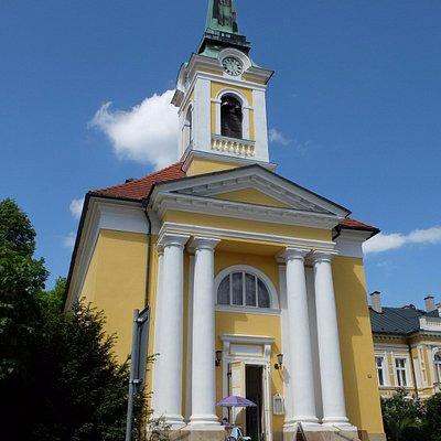 Die Kreuzerhöhungskirche aussen