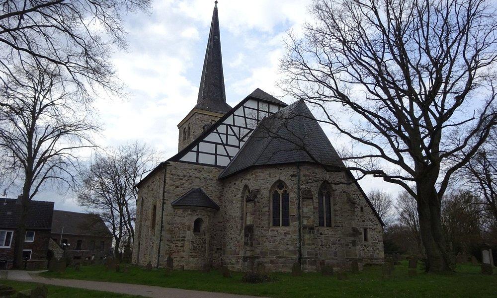 Kulturdenkmal Dorfkirche - Gräfin Imma zu Stiepels Erbe