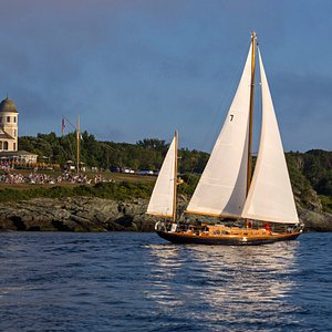 Sunset sail on Hope San