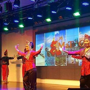 free cultural dance show