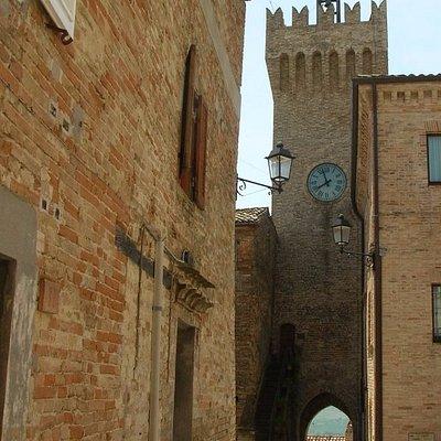 Orologio visto da piazza Castello