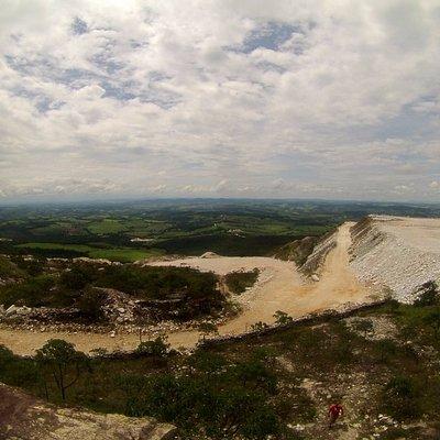 Vista do alto da pedra