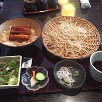 「うな丼とセイロ」のセット