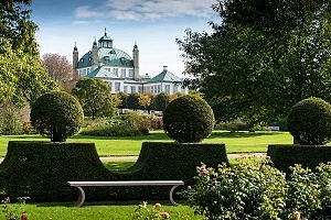 Fredensborg Slot set fra den private have - Foto: Thomas Rahbek