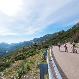 From sea to mountains: ride in the beauty