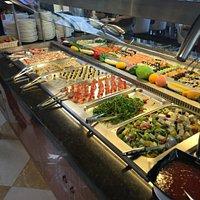 Sushi- und Vorspeisenbuffet